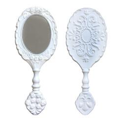 - Oval Plastik Gül Desenli Beyaz Ayna