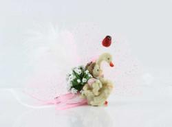 - Kuğu Üstünde Pembe Kutulu Bebek Şekeri