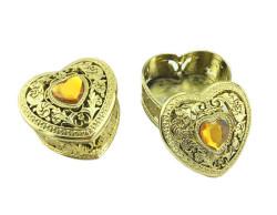 - Kutu Kalp Modeli Üstü Taşlı Altın