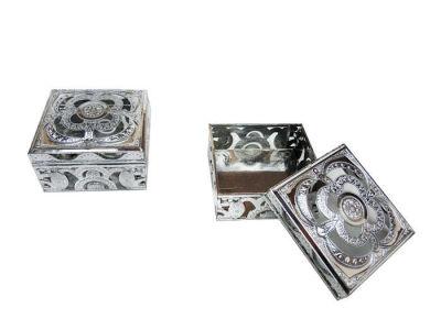 Kutu Kare Şeklinde Gümüş 3*5,5cm