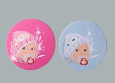 Bebek Emzikli Papatyalı Mavi Sticker